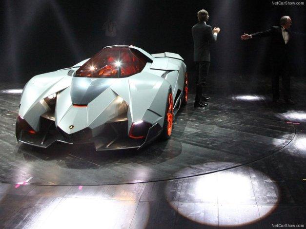 Lamborghini-Egoista_Concept_2013_800x600_wallpaper_0c