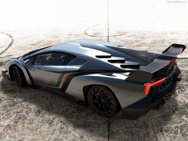 Lamborghini-Veneno_2013_800x600_wallpaper_05