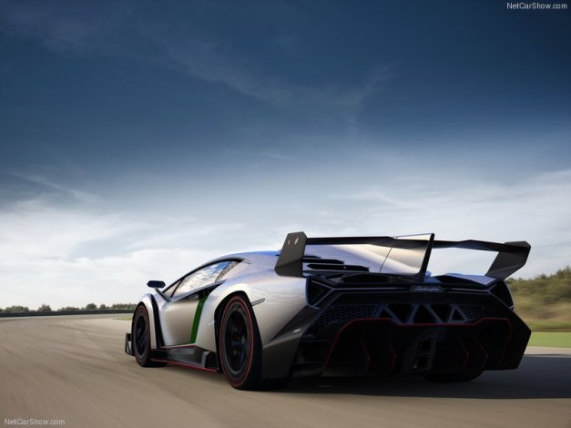 Lamborghini-Veneno_2013_800x600_wallpaper_06