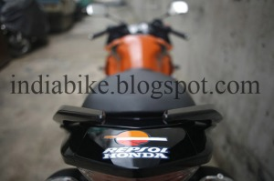 Yamaha-R15
