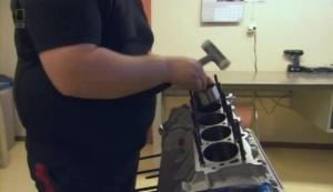 pemasangan piston (no robot²an)